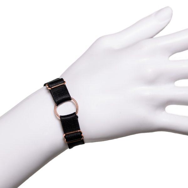 Armband Wristband On A Leash